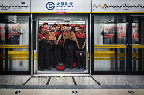 beijing_subway_3_pizza_deliverymen_aotwsm